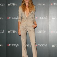 "Rosie Huntington-Whiteley Promotes ""Body"" At Macy's"